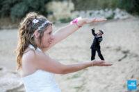 Photo de couple de mariage fun avec retouche