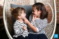 Séance photo à Saintes de deux sœurs