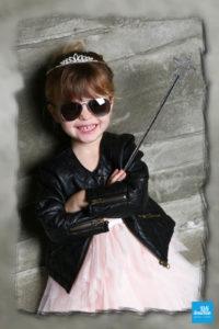 Photo d'une fillette, princesse rock