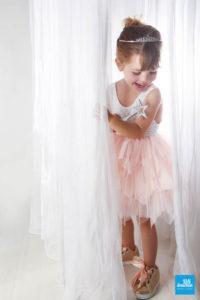 Photo d'une petite fille déguisée en princesse