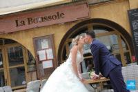 Photo de couple de mariage à la terrasse à la Rochelle