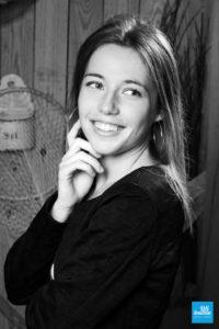 Portrait noir et blanc au studio photo à Saintes