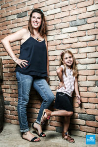Photo mère et fille en shooting famille à Saintes