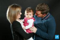 Bébé et ses parents au studio photo de Saintes