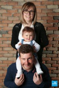 Photo de famille à trois dans les studio de Saintes