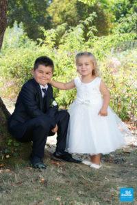 Photo des enfants des mariés lors des photos de couple