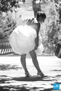 Photo en noir et blanc de la mariée