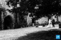 Photo des mariés à l'abbaye de fontdouce