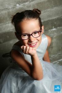Portrait d'une enfant en robe