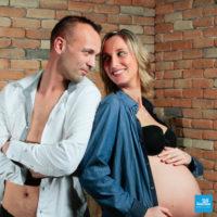 Photo de couple avec femme enceinte