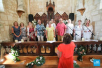 chorale lors de la cérémonie dans l'église