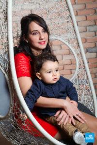 Shooting photo d'une mère et son enfant
