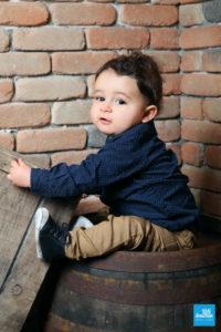 Portrait d'un petit garçon en shooting photo à Saintes