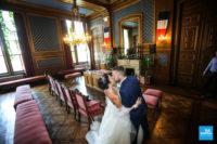 Les mariés dans la salle de la mairie à Angoulême
