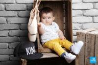 bébé dans une caisse