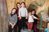 Photo de famille des petits enfants en studio à Saintes