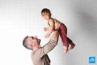 Shooting studio photo d'un bébé et son papa