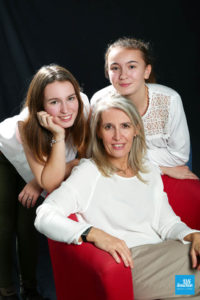 Shooting photo famille entre mère et filles
