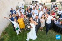 photo groupe mariage avec des verres