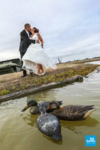 Photo de couple de mariage dans les marais