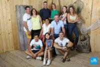Photo de groupe de famille en studio à Saintes