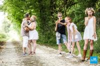 Shooting photo de famille en extérieur avec humour