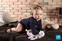 Shooting photo en studio d'un bébé