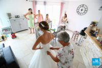 Préparatifs de la mariées dans le salon
