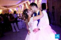 Reportage de la soirée du mariage, les mariés dansent